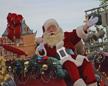 عنزة الكريسماس لم يمسها أحد حتى الآن في السويد