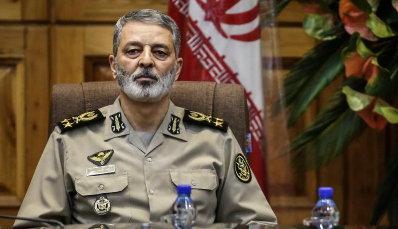 """قائد الجيش الإيراني يعرض مساعدة الشرطة في قتال""""المتظاهرين"""""""