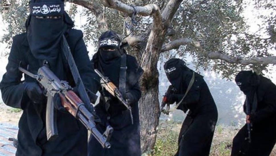"""ليبيا.. ألف امرأة في صفوف """"داعش"""" بينهن 300 تونسية"""