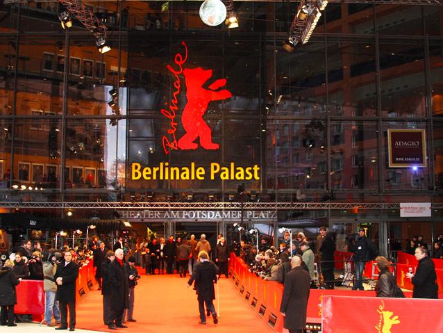 محبو افلام مهرجان برلين السينمائي انتظروا تذاكرهم بالطوابير