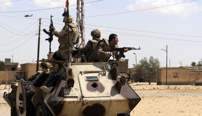 الجيش المصري يعلن توقيف أجانب وإجراء تدريبات بحرية