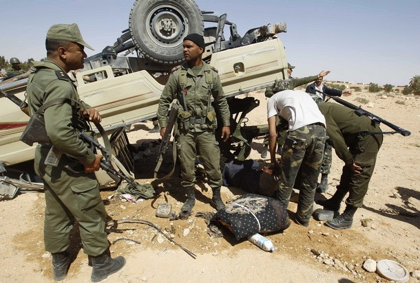 الجيش التونسي يضبط شاحنة محملة بذخيرة على الحدود مع ليبيا