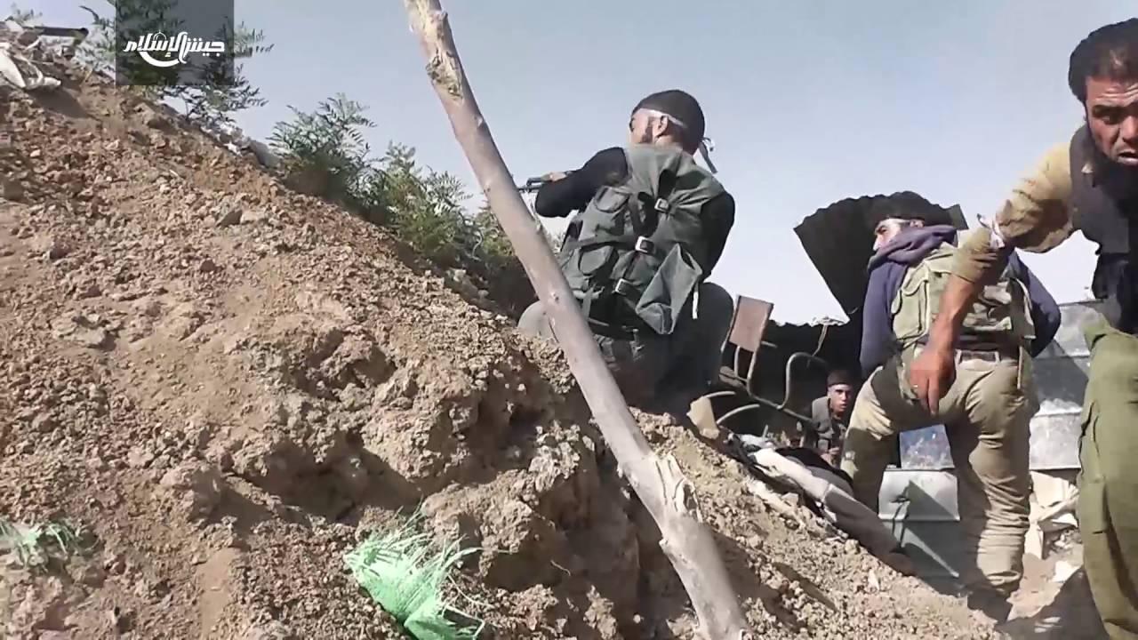 """""""جيش الاسلام"""" بالغوطة يعلن إسقاط مروحية للجيش السوري"""