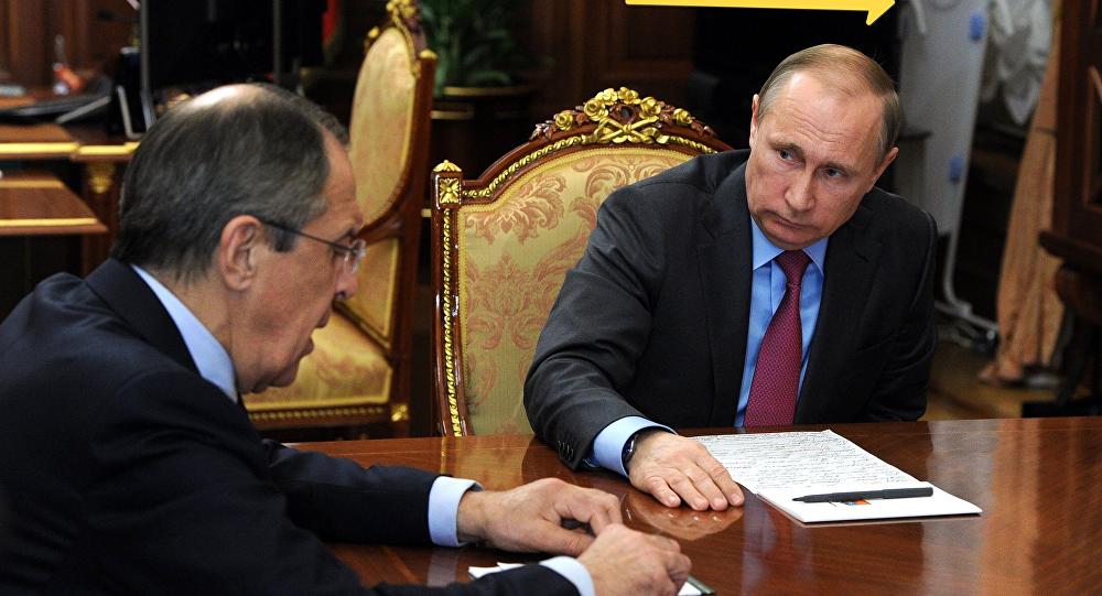 روسيا تطرد 60 دبلوماسيا أمريكيا وتغلق قنصلية في بطرسبرج