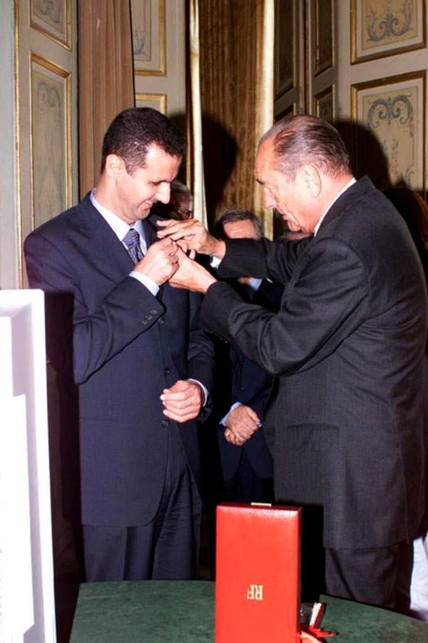 """فرنسا تسحب وسام """"جوقة الشرف"""" من  رئيس النظام السوري"""