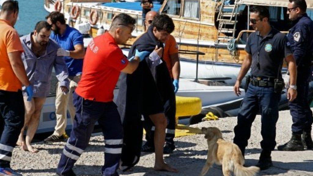 الشرطة تنهي مظاهرة للمهاجرين واشتباكات في جزيرة ليسبوس