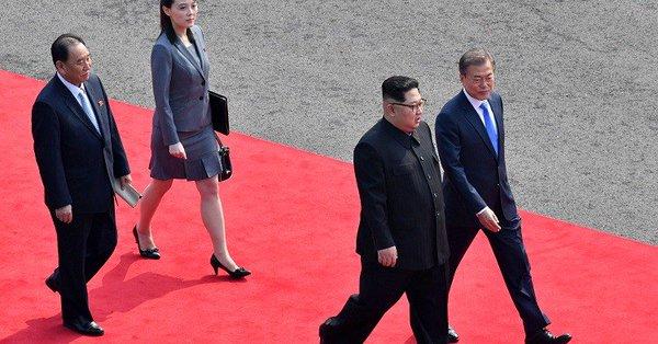 """كيم ومون عقدا محادثات """"جادة وصادقة"""" بشأن نزع السلاح النووي"""