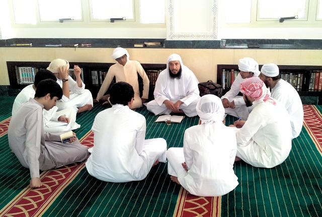 أمريكيون وأوربيون وأفارقة يتفوقون على العرب بحفظ القرآن بدبي