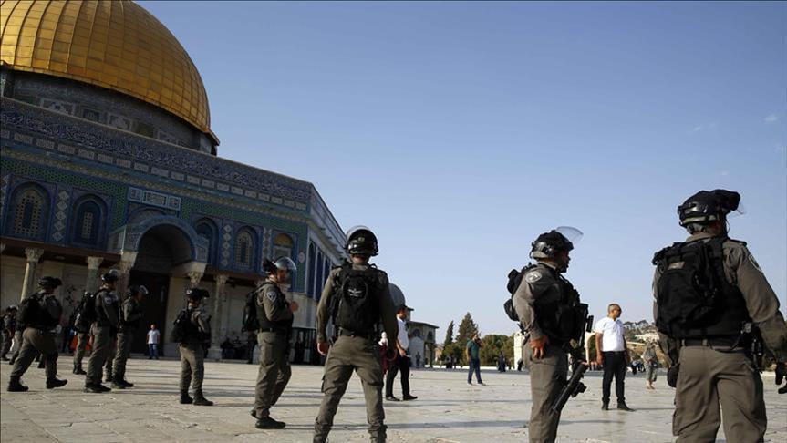 أكثر من 1000 مستوطن يقتحمون المسجد الأقصى بحماية الشرطة