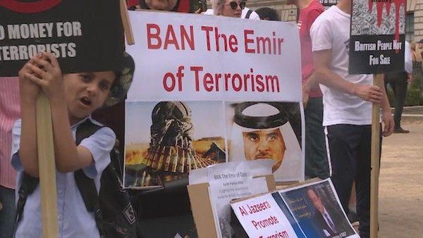 شركة بريطانية تبحث عن ممثلين للتظاهر ضد أمير قطر في لندن