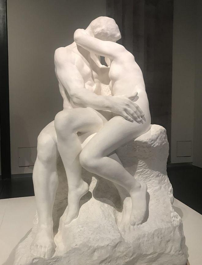 قبلة رودان من جحيم دانتي إلى المتحف البريطاني
