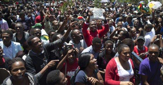 """الحزب الحاكم بزيمبابوي يحث المعارضة على تقبل الخسارة بطريقة """"لائقة"""""""