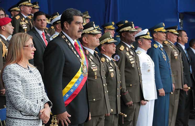رئيس فنزويلا يعتقد أن رئيس كولومبيا وراء محاولة اغتياله