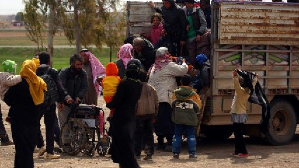 """فورة لإعادة اللاجئين.. وتسريب سيناريو ينتهي بإطاحة """"الأسد"""""""