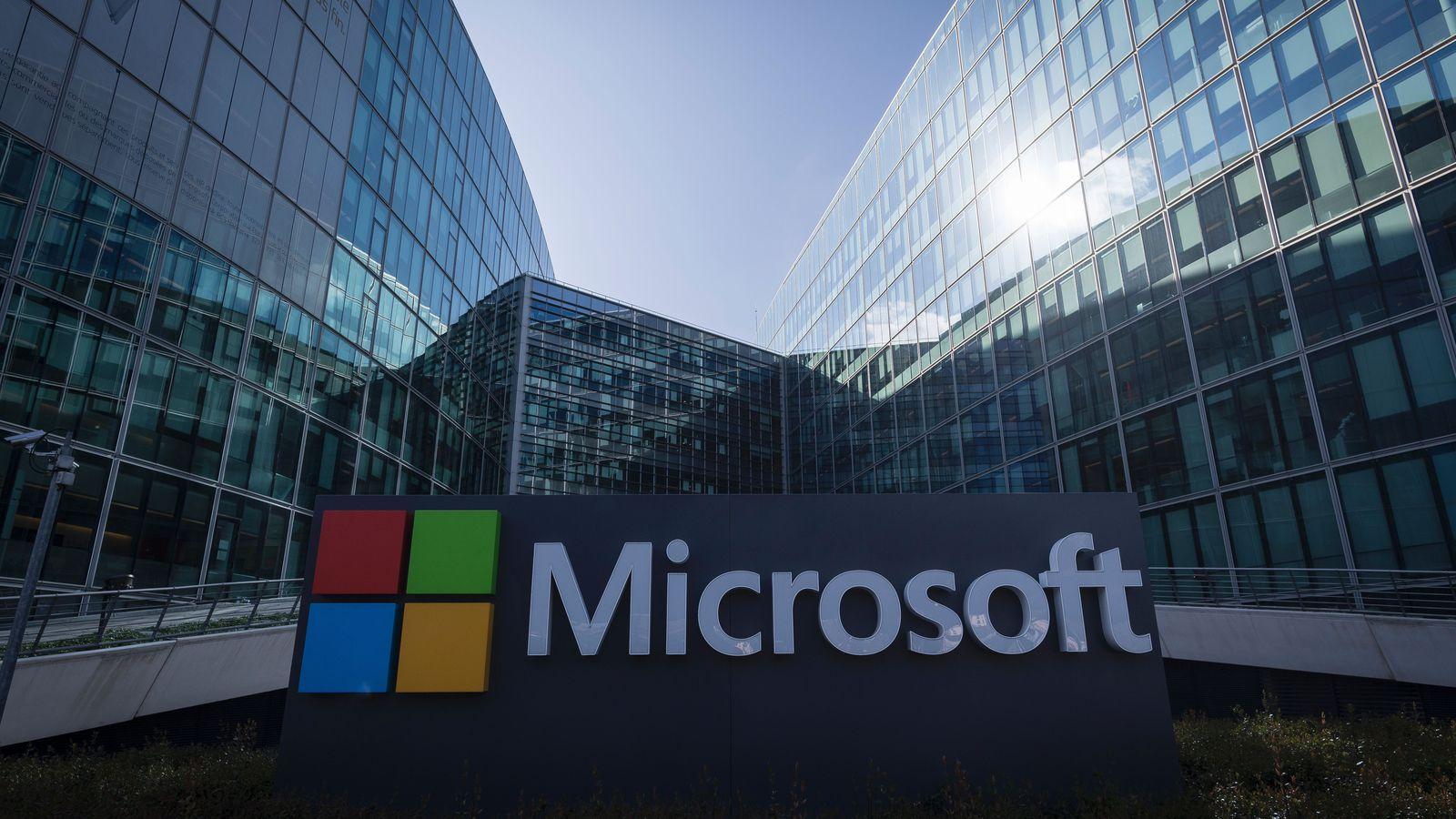 """""""مايكروسوفت"""" تهدد """"جاب"""" بسبب مشاركات معادية للسامية"""