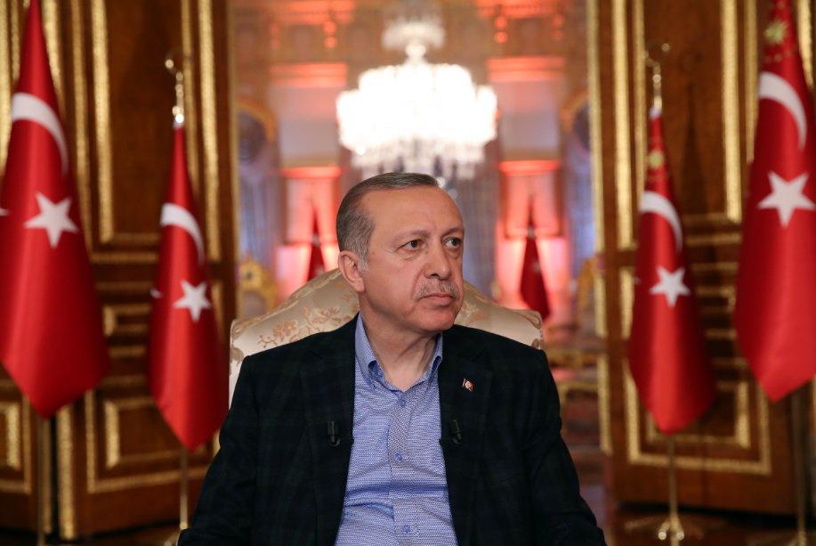 أردوغان : استخدام العملات المحلية للخروج من قبضة الدولار