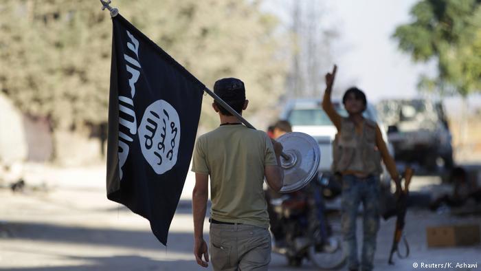 """""""أشبال الخلافة"""".. قنابل """"داعش"""" الموقوتة في السجون"""