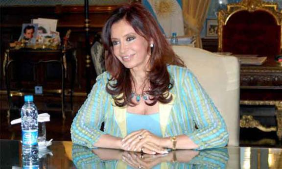 الرئيسة السابقة للأرجنتين أمام المحكمة بتهم فساد في فبراير القادم