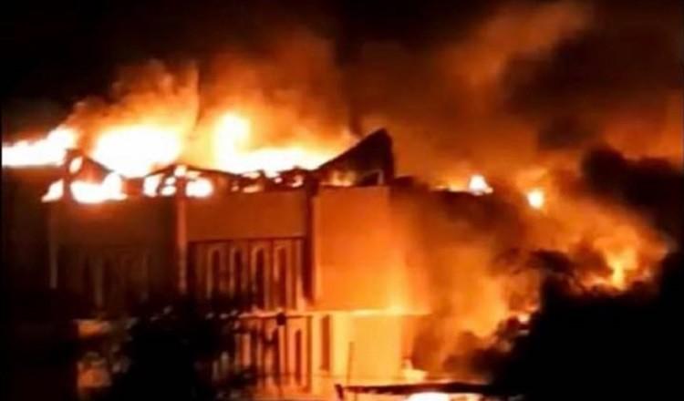 احراق مقار الاحزاب الشيعية الكبرى في البصرة