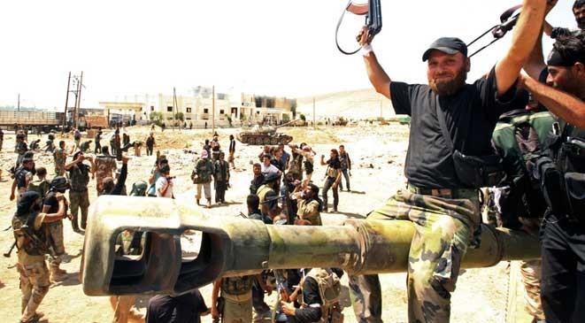 """""""المعارضة المعتدلة"""".. القوة الأساسية في إدلب"""