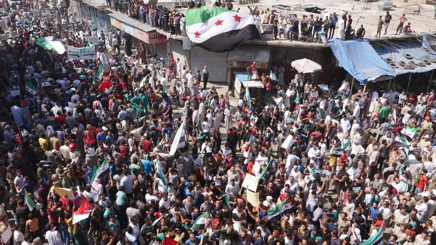 التظاهرات تعم إدلب ضد النظام السوري
