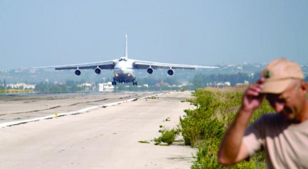 روسيا تقيد الحركة الجوية والبحرية قبالة السواحل السورية