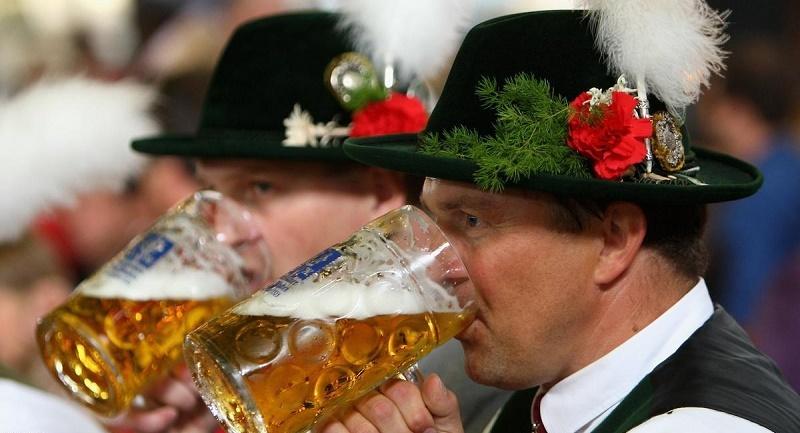 800 ألف زائر في مهرجان الجعة بميونخ الألمانية