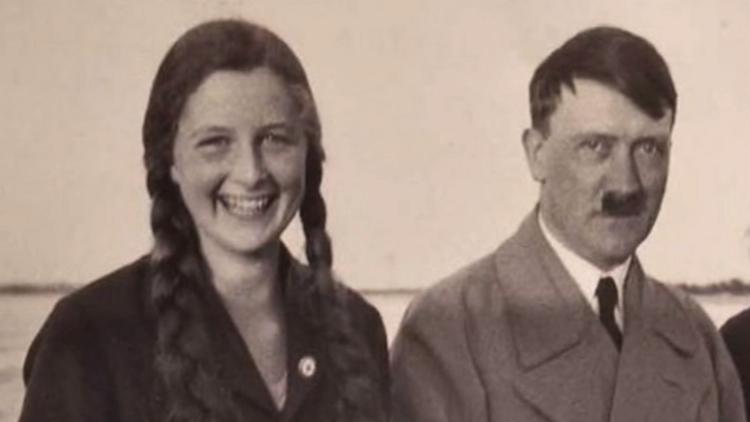 """لعنة اسم """"هتلر"""" تلاحق أفراد عائلته"""