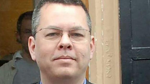 الادعاء التركي يطعن على إخلاء سبيل القس الأمريكي برانسون