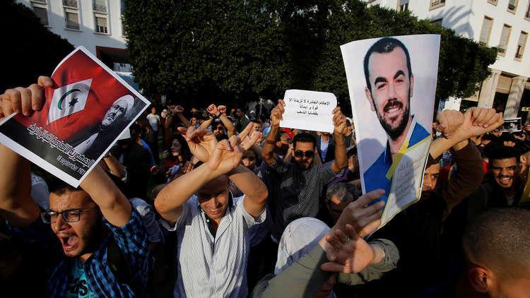 """إضراب الزفزافي و آخرين عن الطعام في """"حراك الريف"""" المغربي"""