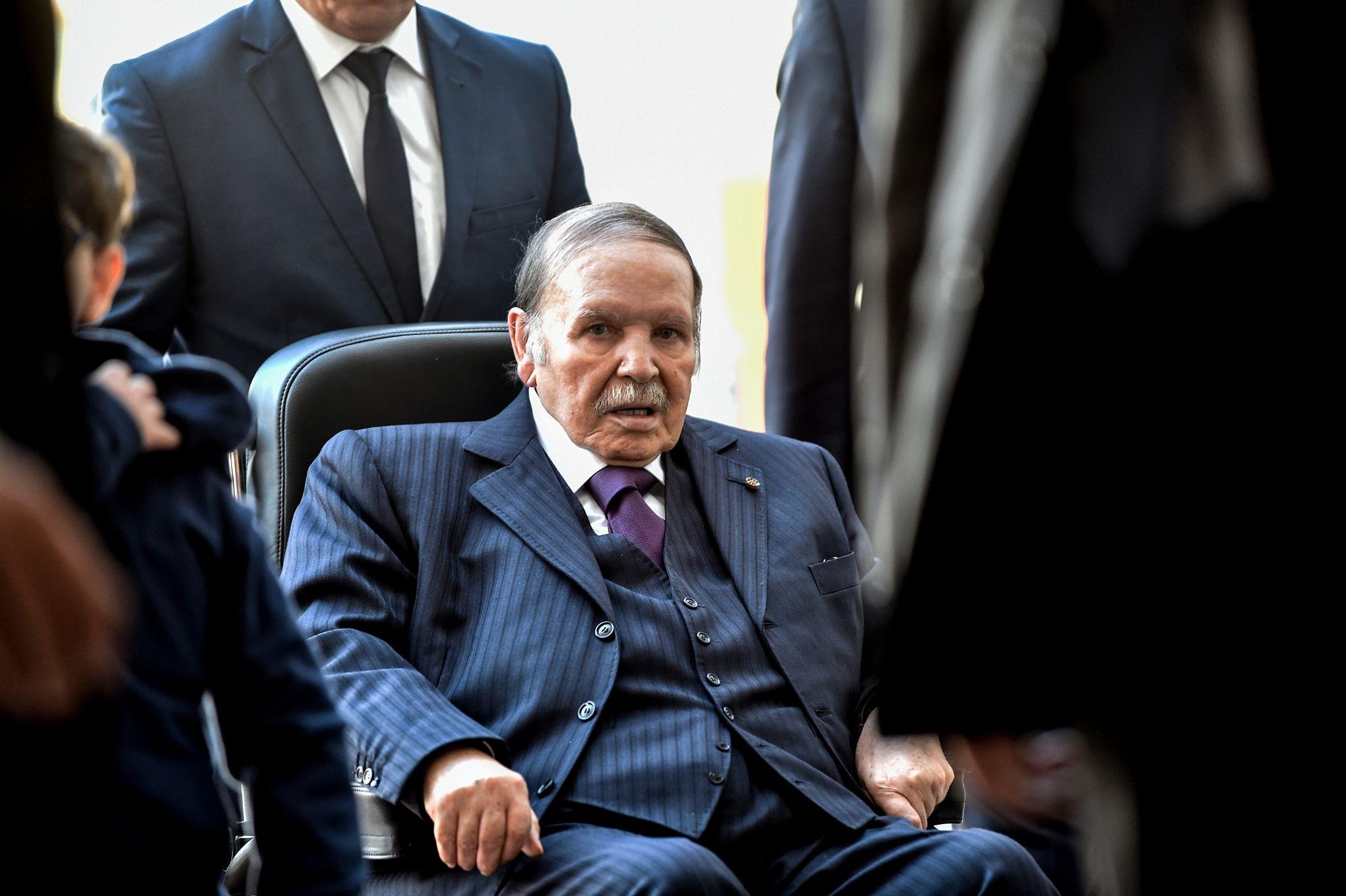"""هل أصبح عبد العزيز بوتفليقة """"مرشح الخلود"""" في الجزائر؟"""