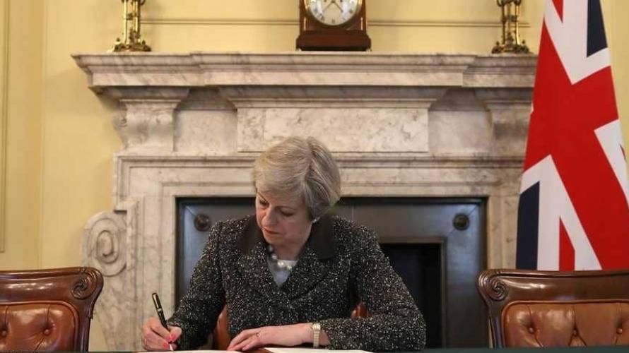 الخلاف البريطاني - الأيرلندي حول اتفاق الحدود يتصاعد