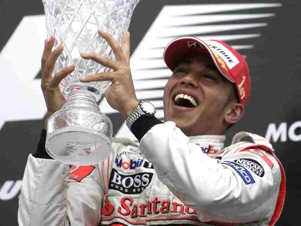 فيتيل يتفوق على هاملتون في تجربة السرعة بسباق فورمولا البرازيلي