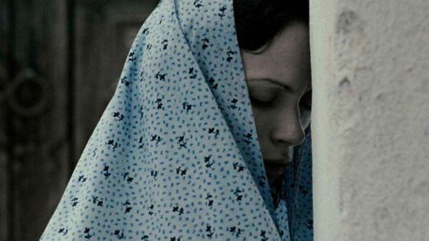 """تعد شيرين نشاط مخرجة فيلم """"نساء بلا رجال"""" بين الجيل الجديد من المخرجات الإيرانيات"""