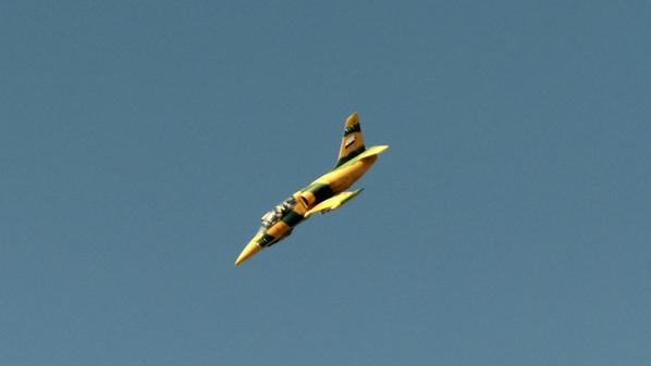 الدفاعات السورية تتصدى لقصف جوي في محيط مطار دمشق