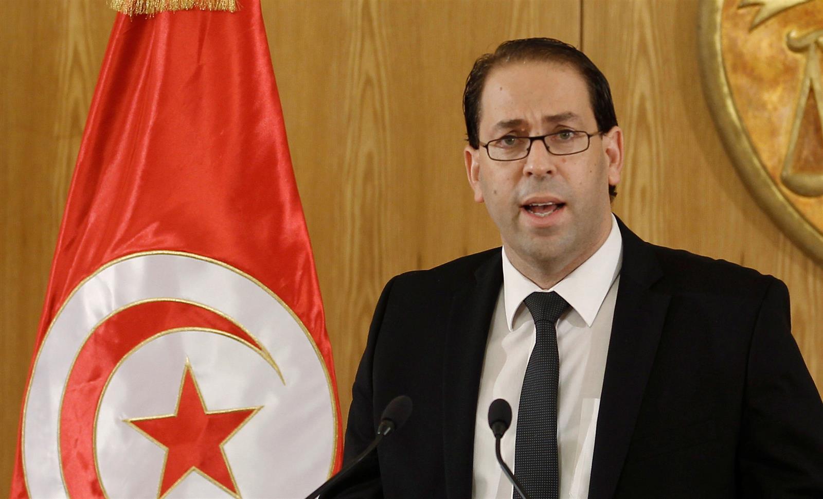 رئيس الحكومة التونسية يتعهد بالثأر بعد العملية الارهابية بالقصرين