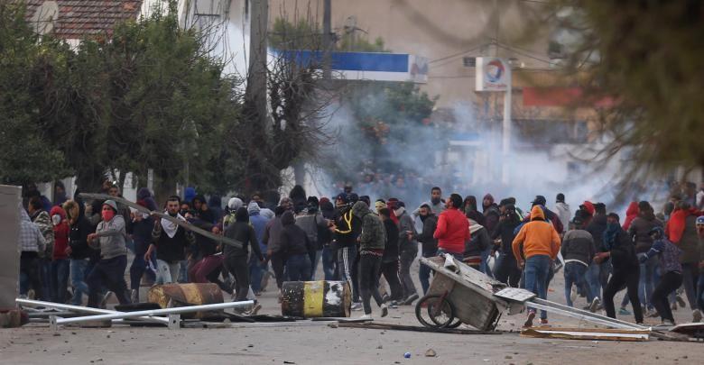 احتجاجات القصرين بعد انتحار المصور رزقي