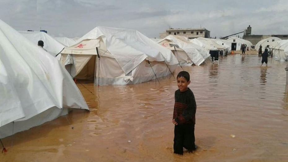 تشرّد الآلاف بسبب فيضانات في مخيمات لاجئين شمال سورية