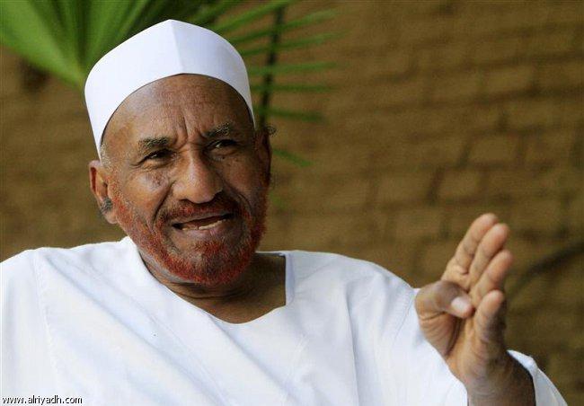 الصادق المهدي يحذر من انقلاب داخلي في السودان