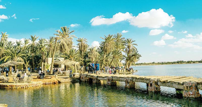 سحر الهدوء في واحة سيوة بصحراء مصر الغربية