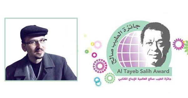 مازن أكثم سليمان يهدي فوزه بجائزة الطيب صالح إلى سوريا والسوريين