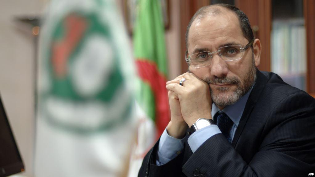 رئيس أكبر حزب إسلامي في الجزائر يدعو بوتفليقة للتنحي