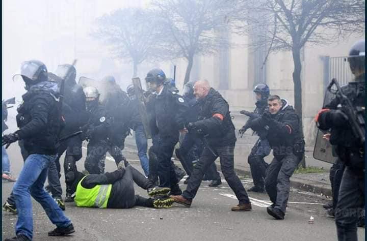 اعتقالات بصفوف السترات الصفراء في مدينة تولوز الفرنسية