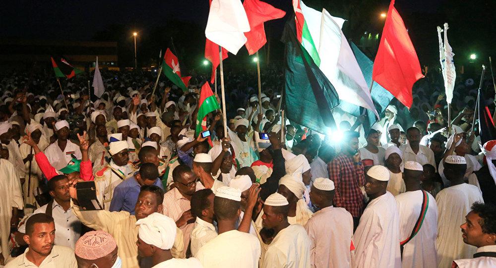 المعارضة السودانية تعلق التفاوض مع المجلس العسكري
