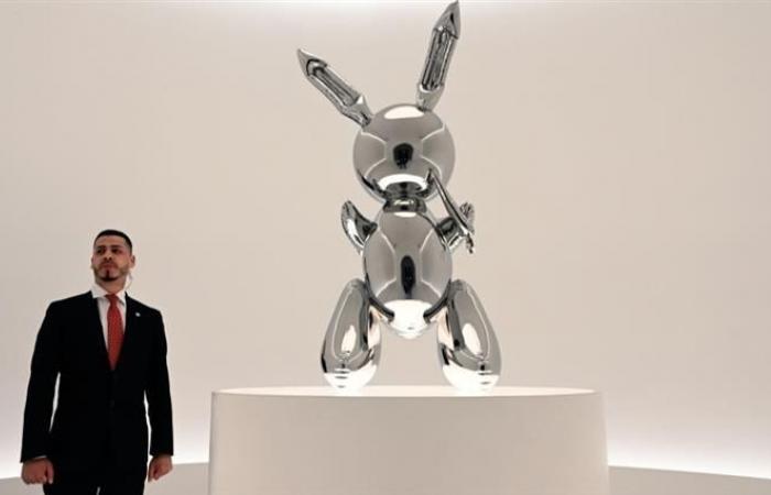 """بيع تمثال """"أرنب"""" مقابل 1ر91 مليون دولار في نيويورك"""