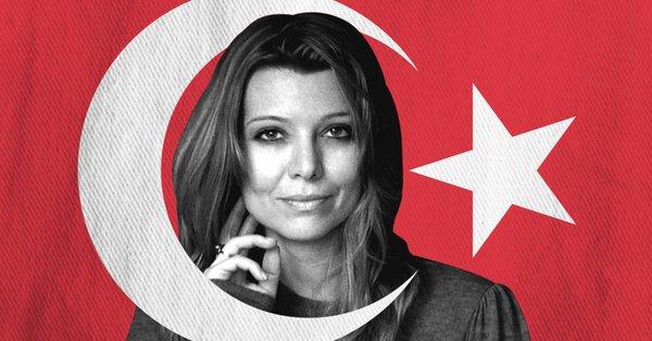 تركيا تطارد أهم كتّابها ومن ضمنهم أليف شافاق