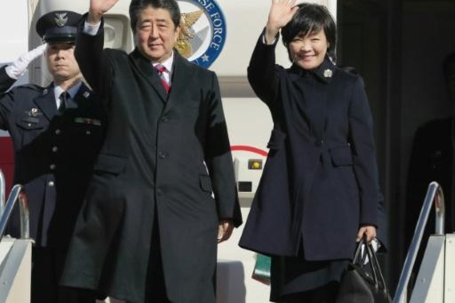 """رئيس الوزراء الياباني يبدأ وساطة """"تهدئة"""" بين أمريكا ويران"""
