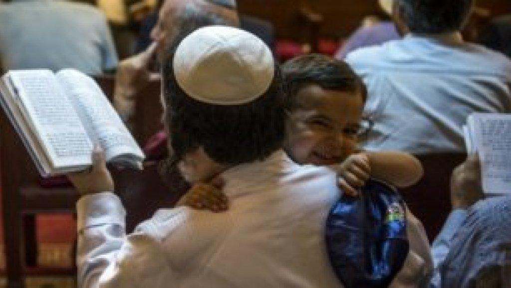 مديرالدراسات اليهودية في هايدلبرج يتداخل في حوار القلنسوة