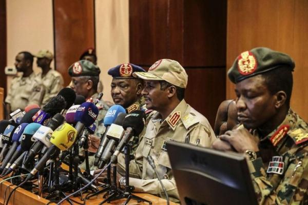 العسكري : ضلوع عدد من الضباط في فض الاعتصام بالخرطوم