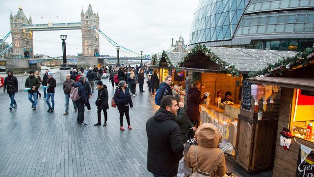 متاجر بريطانية: بريكست بدون اتفاق يهدد موسم التسوق في الكريسماس